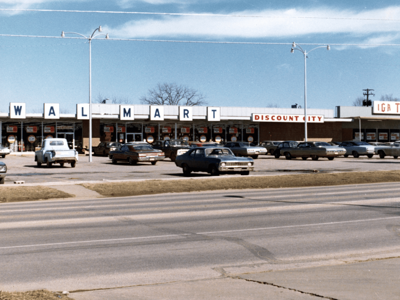 first walmart store